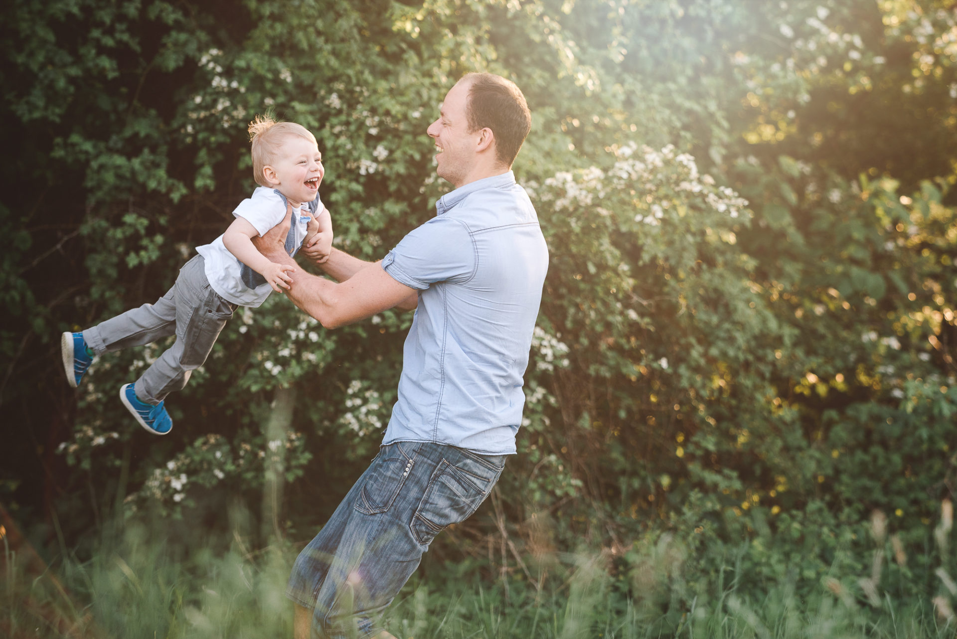 Erfurt Thüringen Tessa Trommer Fotografie Baby Geschwister Familienfotos Outdoor Papa