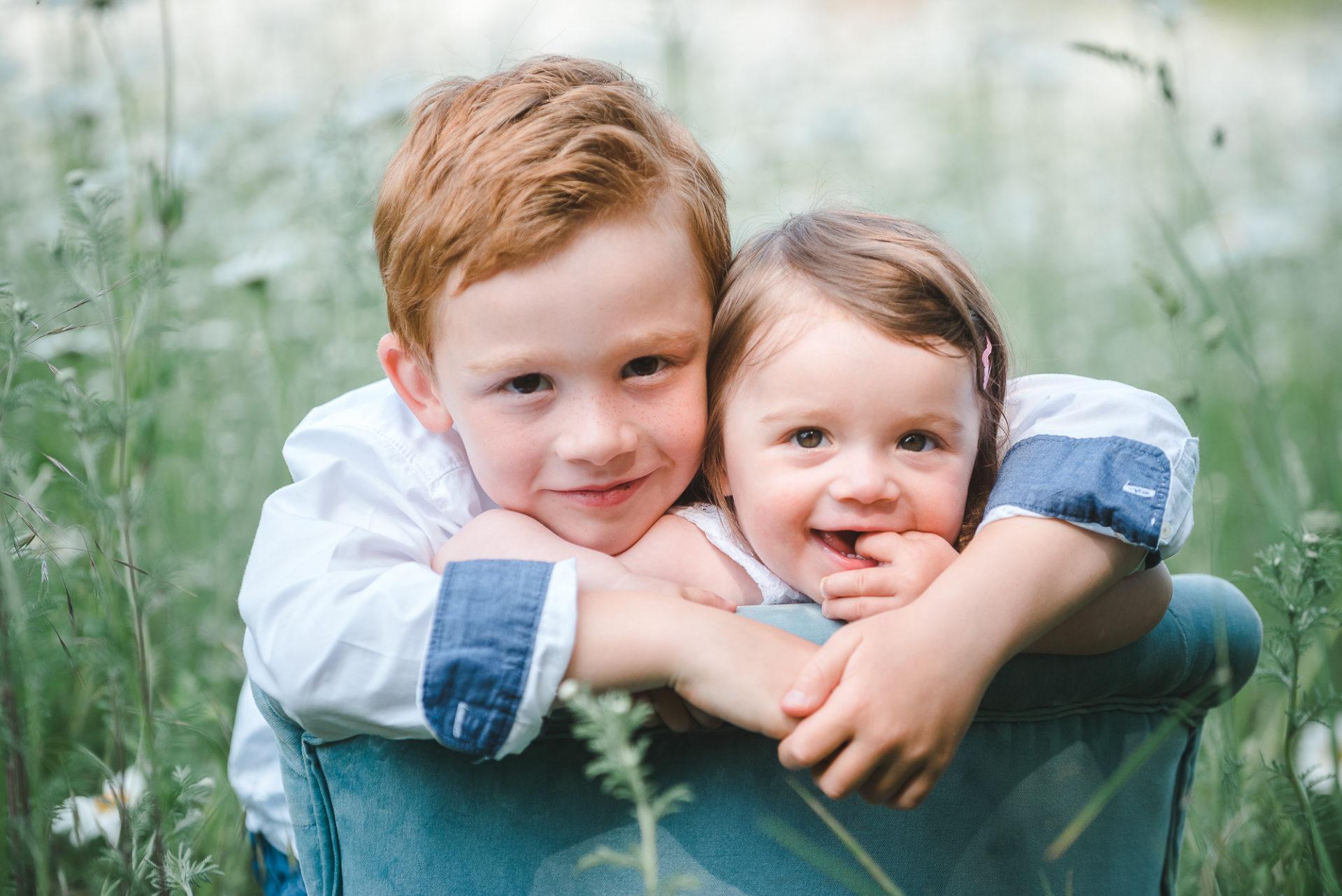 Tessa Trommer Fotografie Baby Kinderfoto Babyfotografie Geschwister großer Bruder