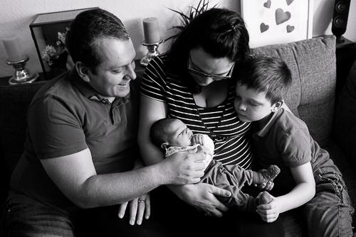 Tessa Trommer Fotografie Neugeborenenfotografie Reportage Baby Geschwister